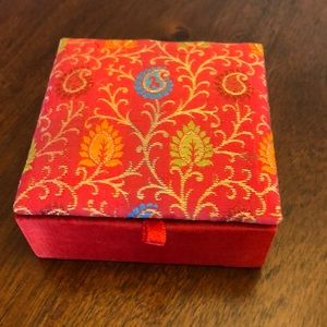 Other - 🐠 Pick 1 for free 🐠 Small Fabric Jewelry Box